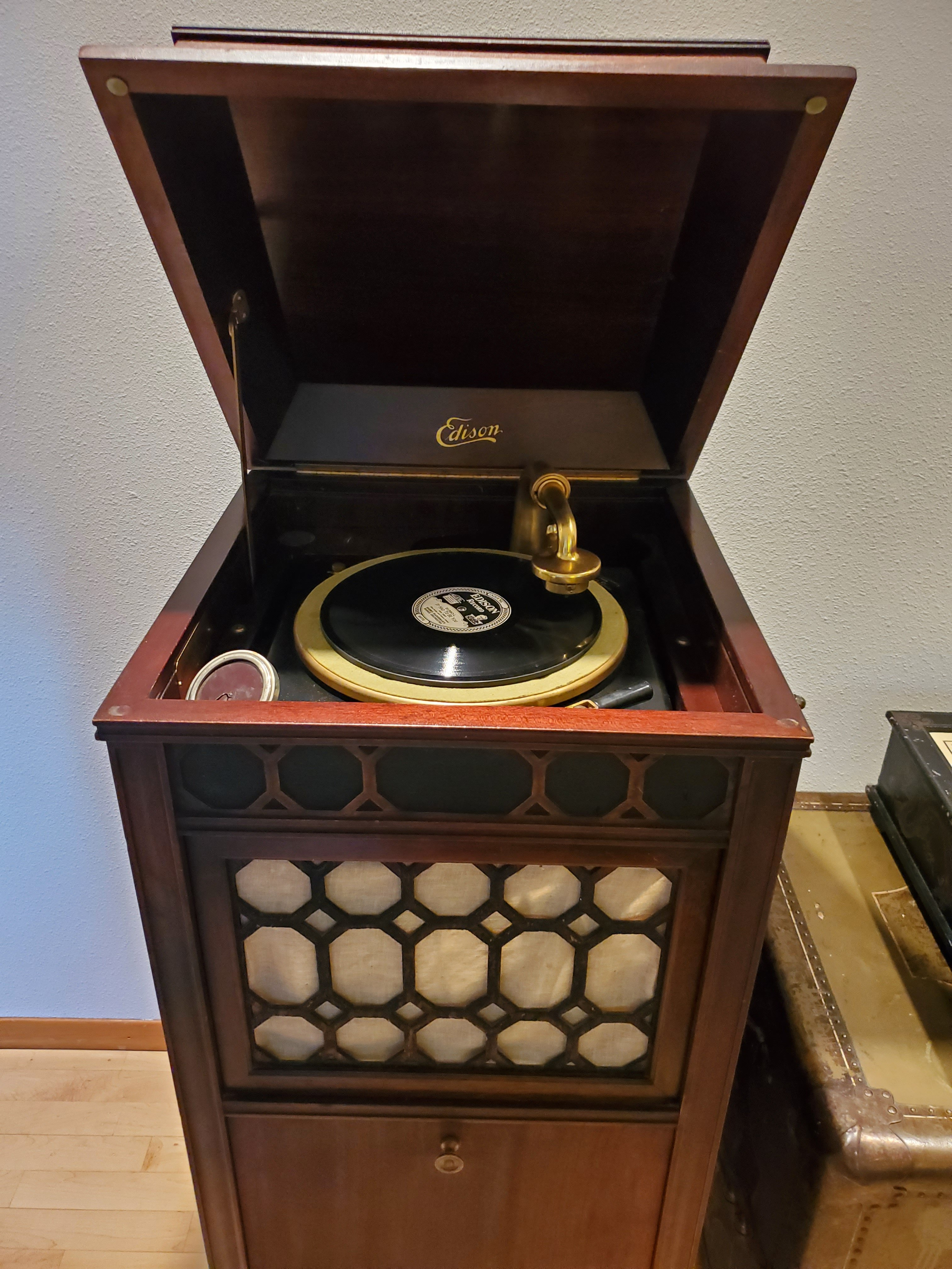 Free Edison w/ Records to a Good Home
